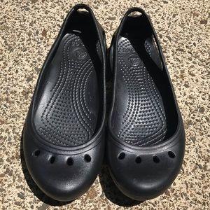 Crocs women's size 5 Black Eyelet Flats Sandals